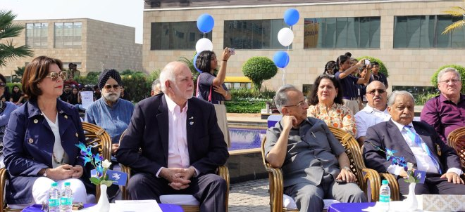 RI President Barry Rassin and Esther, PRIP Rajendra Saboo and DG Praveen C Goyal at a Peace Rally.