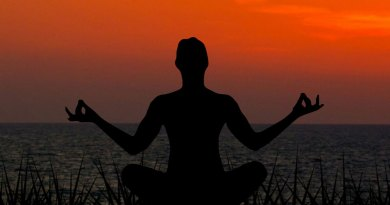 meditating-sunset-meditation-yoga-nature-peace-1436281-pxhere