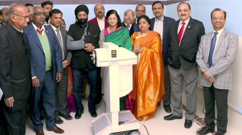 From L: Krishna Kumar Tulsiyan, Amar Tulsiyan, IPDG Ranjeet Singh, DGN K K Srivastava, Dr Shailaja Chaturvedi from Australia, DG Stuti Agrawal, Sunil Chaturvedi and Niten Agrawal with the new brachytherapy machine.