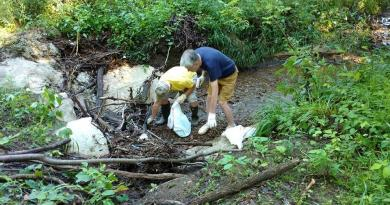 Rotary club takes up environment clean-up