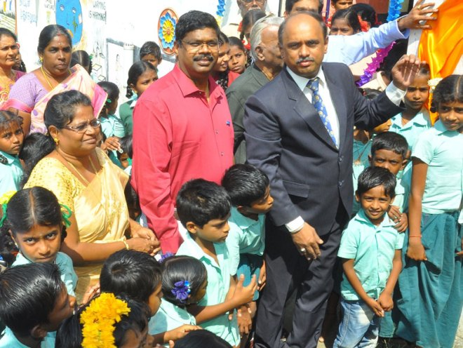 DG RVN Kannan inaugurating the  drinking water facility in the school.