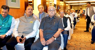 From L: RIDE Bharat Pandya, PRID Shekhar Mehta and PRIP Kalyan Banerjee with DGEs at the meet.