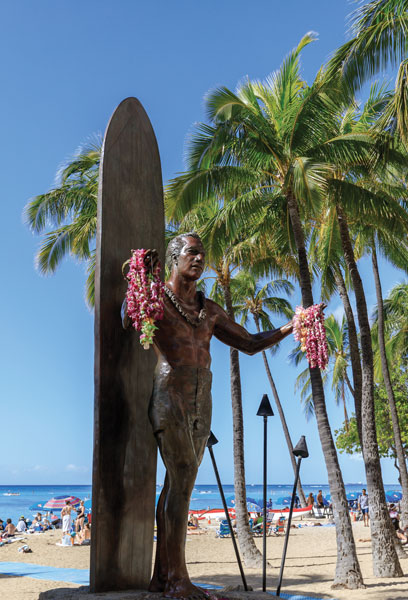 A statue of the legendary surfer Duke Kahanamoku.
