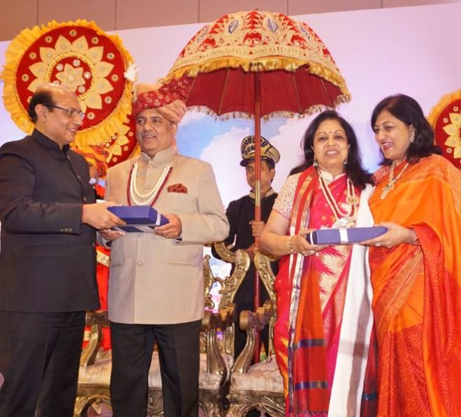 RID Kamal Sanghvi and Sonal greet RIPN Mehta and Rashi.