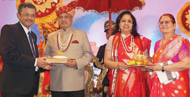 RID Bharat Pandya and Madhavi honour RIPN Mehta and Rashi at Kolkata.