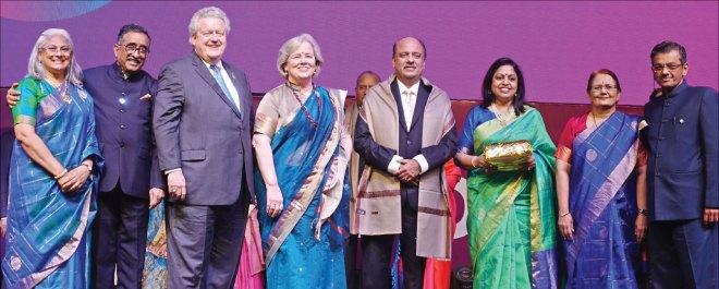 From L: Vidhya, Institute Chair T N Subramanian, RI President Mark Maloney, Gay, RIPN Mehta, Rashi, Madhavi and RID Bharat Pandya.