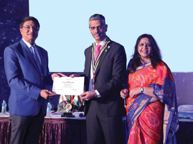 DG Rajendra Bhamre recognises the Club President Parag Paranjpe and Secretary Namita Sharma during the Platinum Jubilee celebrations.