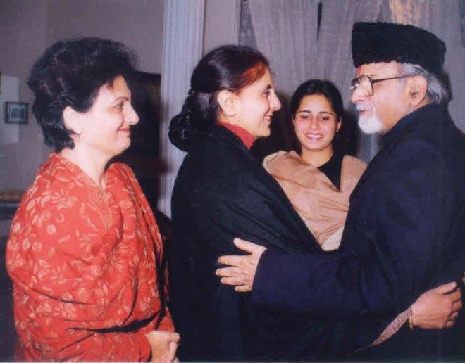 Neena Sondhi with Gujral.