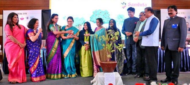 From R: PDG Anand Kulkarni, DG Girish Masurkar (third from R) and RIDN AS Venkatesh at the inaugural of the Women Rotarians conclave.