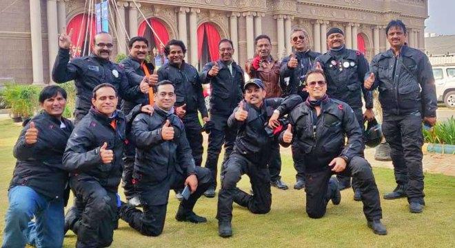 The RID 3190 team with D Ravishankar (standing fifth from L).