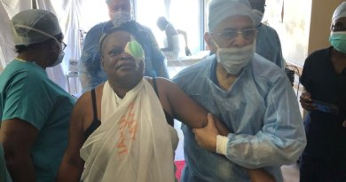 PRIP-Rajendra-Saboo-assisting-a-patient
