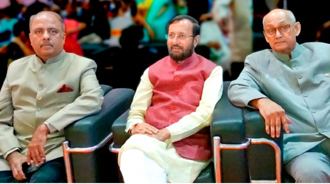 From L: RIPN Shekhar Mehta, Union Environmental Minister Prakash Javadekar and PRIP Kalyan Banerjee at the South Asia Literacy Summit in Chennai.