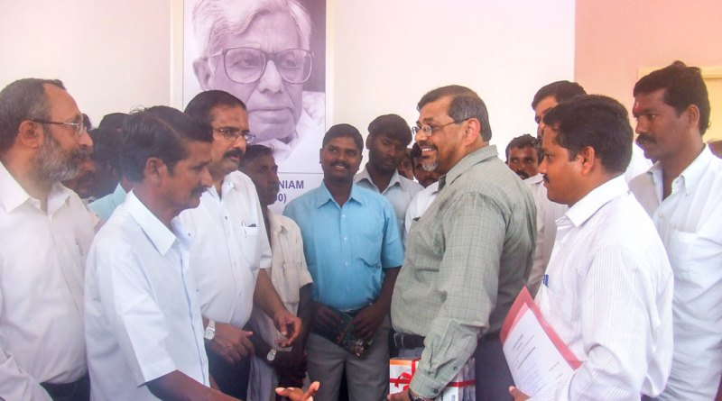 NAF Managing Trustee S S Rajsekar (third from left) interacting with farmers at the CFRD facility at Illedu village in Chengalpet.