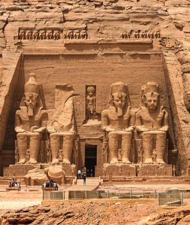 The temple of Ramses 2.