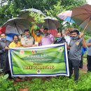 Rotarians on a greening spree