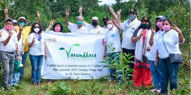 DG Rajan Gandotra (fifth from R) at the launch of the plantation drive in Chandpur village.