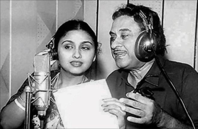 Kishore Kumar with wife Leena Chandavarkar.