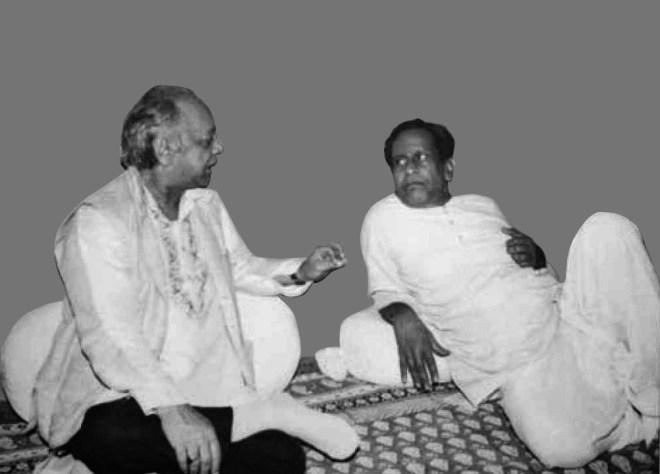 with legendary tabla player Ustad Allah Raka Khan (L).