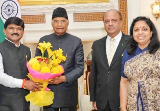 Shekhar Mehta and Rashi with President of India Ram Nath Kovind at the Rashtrapati Bhawan.