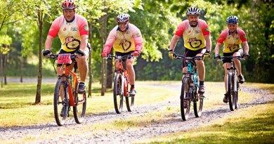 mountain_bikes_cycling_bike_mountain_sport_biking_recreation_cyclist-730739-(1)