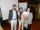 Emilio Becker, Erika Stuven entregan regalo a Gobernadora Sonia