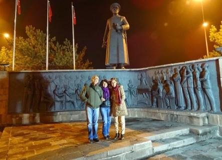 Havuzbaşı Atatürk Heykeli
