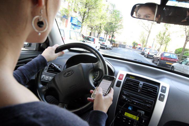 Téléphone au volant: des solutions pour plus de sécurité, c'est urgent !