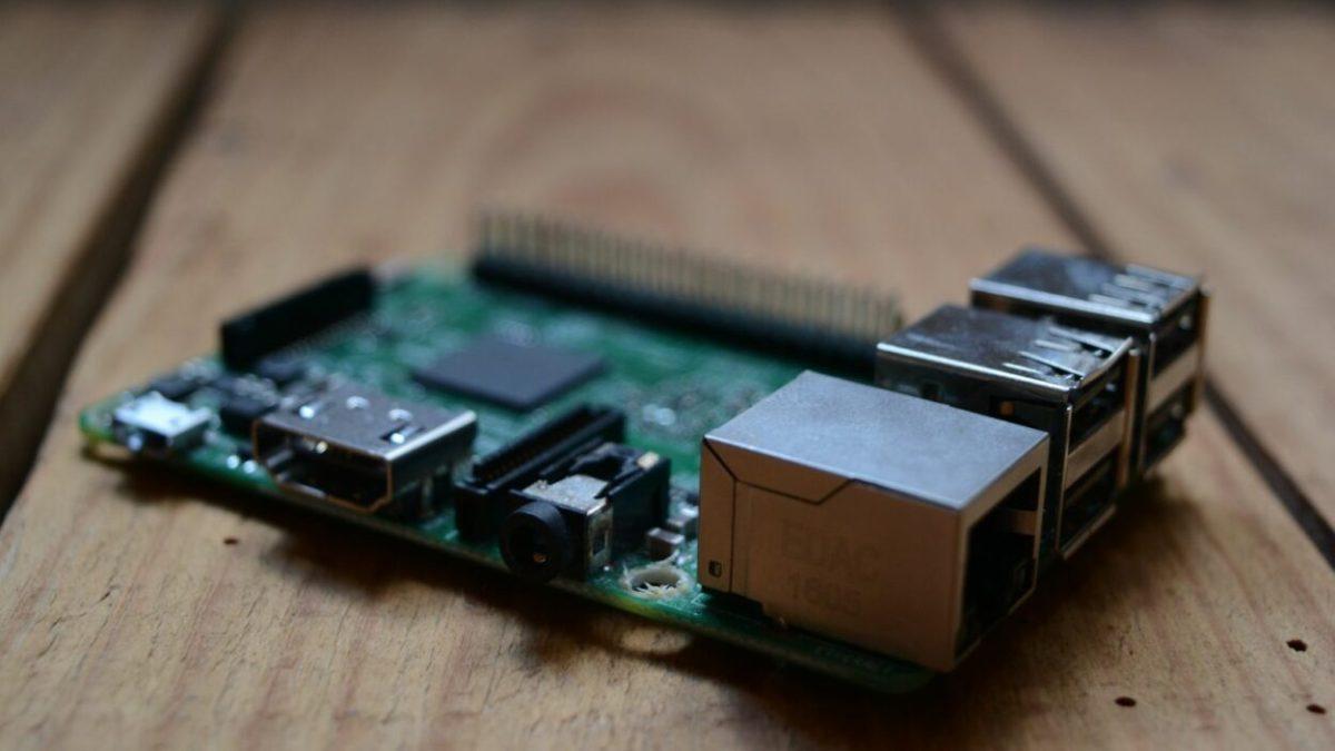 Raspberry Pi : un clavier et une souris officiels