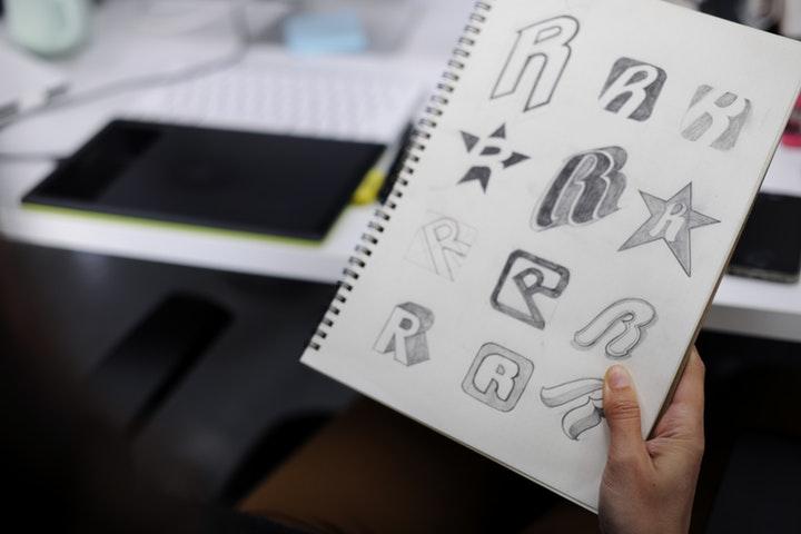 Créer son logo et choisir le nom de sa société