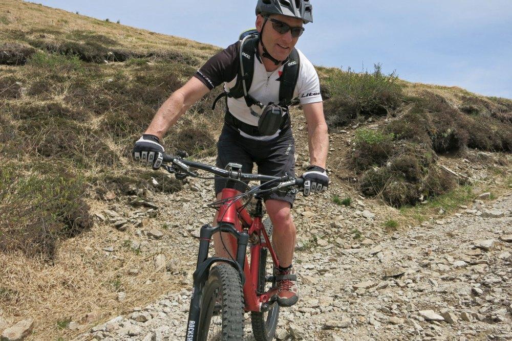 Schotterabfahrt vom Monte Lema