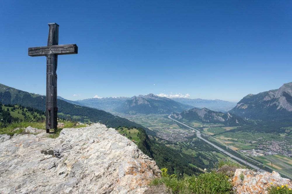 Pizalun mit Sicht ins St.Galler Rheintal