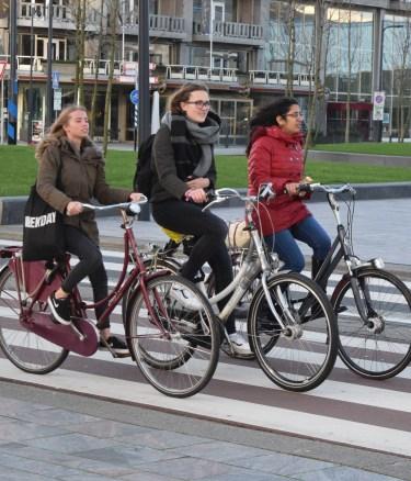 un à coté - vélo