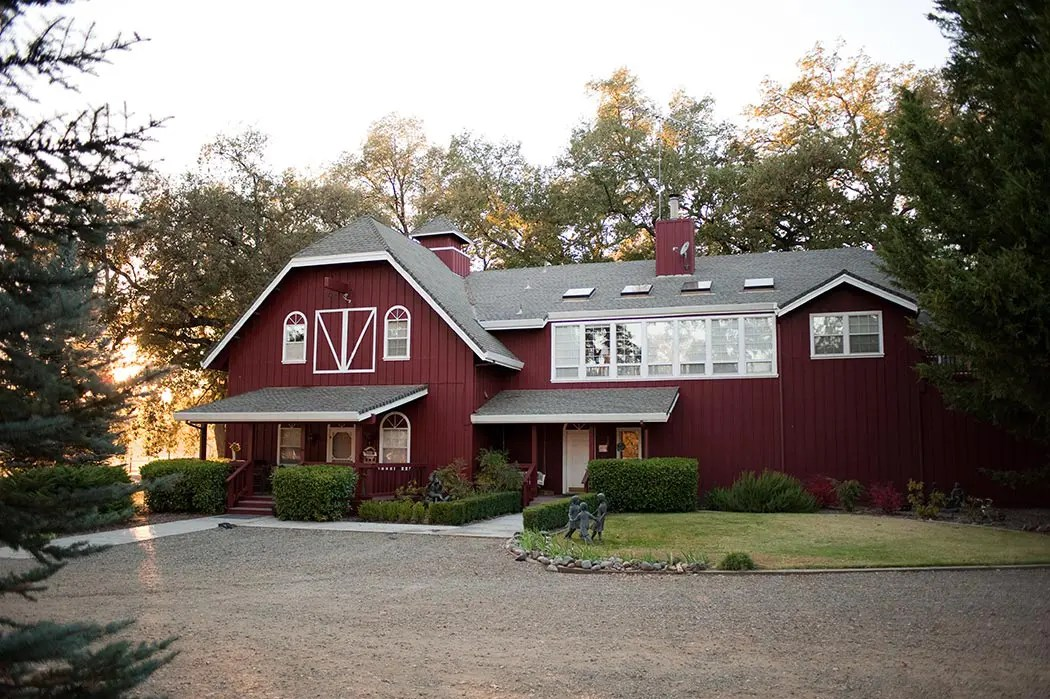 Rough & Ready Guest House and Vineyard Nevada County's Favorite Vineyard Wedding Venues