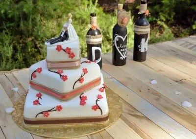 preferred vendors can include bakeries for your special wedding cake