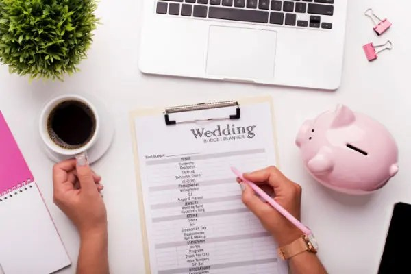 Getting Married? 8 Useful Tips to Help You Save Money!