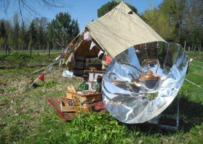 La tente Bele Tent de 4m de diamètre et le four solaire Sunplicity