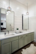 Cool ideas to use big mirrors in your bathroom (13)