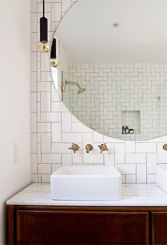 Cool ideas to use big mirrors in your bathroom (20)