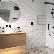 Cool ideas to use big mirrors in your bathroom (5)