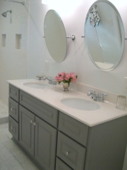 Cool ideas to use big mirrors in your bathroom (8)