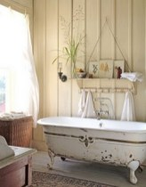 Cozy and relaxing farmhouse bathroom designs (12)