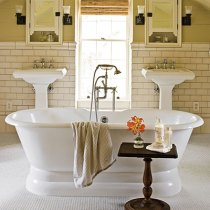 Cozy and relaxing farmhouse bathroom designs (15)