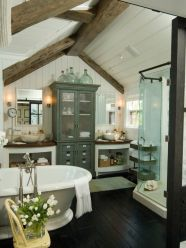 Cozy and relaxing farmhouse bathroom designs (2)