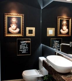 Dark moody bathroom designs that impress (13)