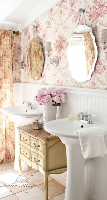 Delicate feminine bathroom design ideas (15)