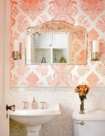Delicate feminine bathroom design ideas (23)