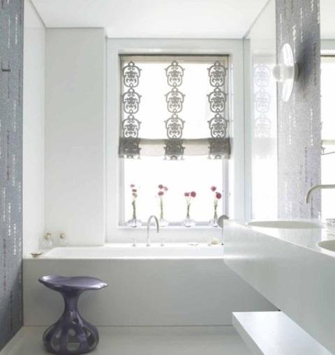 Delicate feminine bathroom design ideas (24)