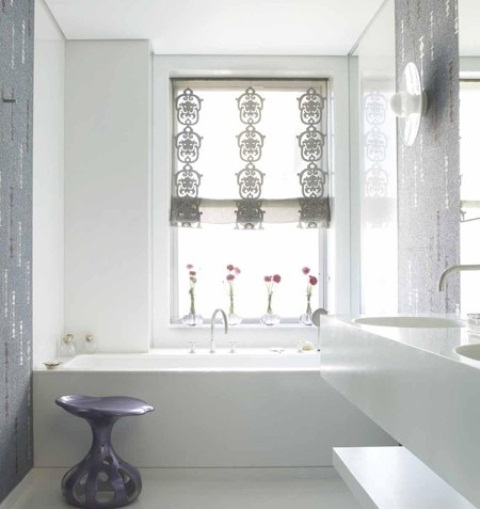 Delicate feminine bathroom design ideas (24)