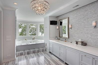 Delicate feminine bathroom design ideas (5)
