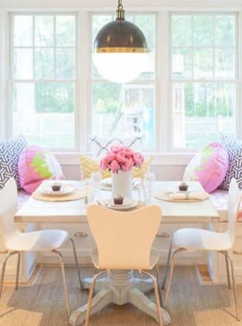 Elegant feminine dining room design ideas (11)